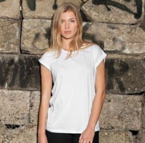T-shirt Build Your Brand Women's Extended Shoulder Tee